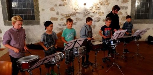 Schlagzeugensemble Ltg.: Mag. Klaus Fürstner