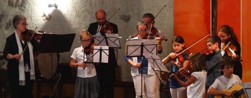 Geigenensemble Ltg.: Mag. Ismene Weiss