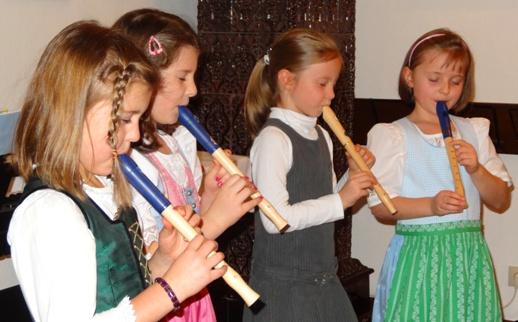 Von links nach rechts: Johanna Pierer, Eva-Maria Fluch, Lisa Baumgartner, Flora Grießl;