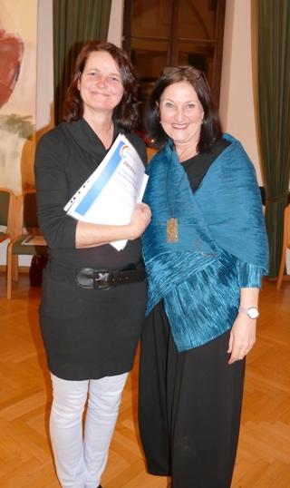 ML Ulrike Schweiger mit Lehrgangsleiterin Mag. Schumacher-Möth
