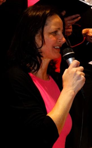 Chorleiterin ML Ulrike Schweiger