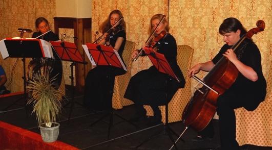 Zivile Pirkwieser-Flöte Aliona Kalechyts-Petrouskaya- Geige Emilia Gladnishka- Bratsche Elena Mishchii- Cello